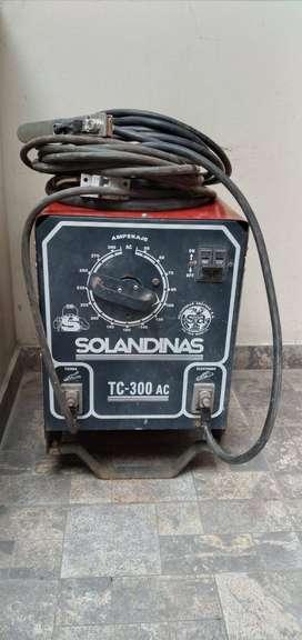 VENDO MAQUINA DE SOLDAR  TC 300 SOLANDINASTC300 SOLANDINAS