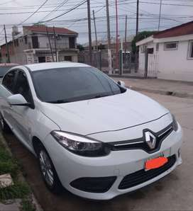 Renault Fluence dinamic pack 1.6 modelo 2015. Excelente estado. Nafta. caja manual de 5ta.