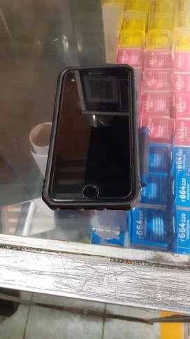 Vendo mi iphone 7 version red. De 32 gb. Libre de icluod e imei para todo operador. Con cargador y audifonos originales