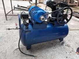 Compresor 200 libras. 220 voltios.