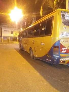 Bus  marca hino gd