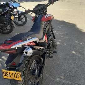 vendo moto rmx  150 con tarjeta y tecnonecanica