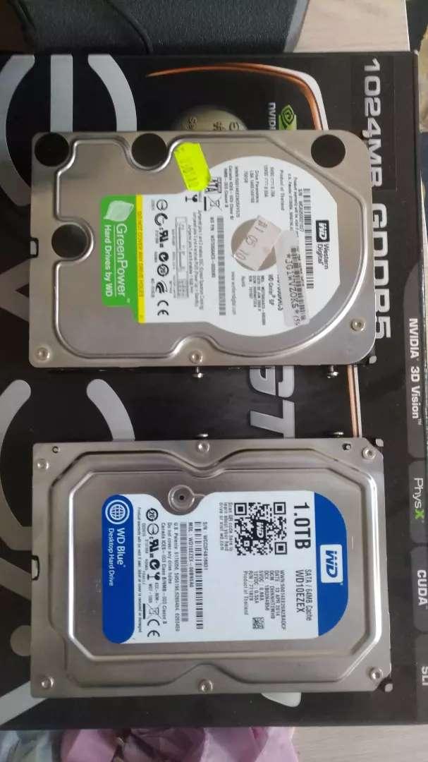 HDD 1 TB Y 750 GB 0
