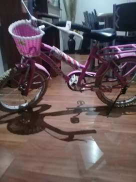 Bicicleta  de kitty de nena rod.16