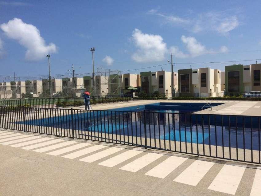 Alquiler casa amoblada en Manta en urb privada a 5 minutos de la playa 0