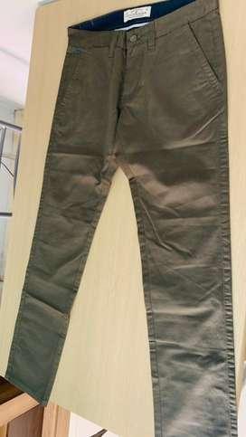 Pantalones nuevos  talla 28