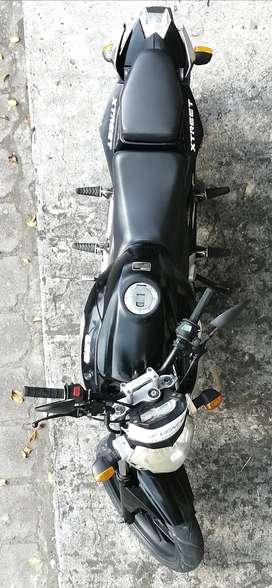 Vendo Motocicleta 230 cc marca UM $1250 negociable