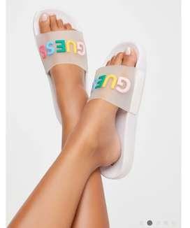 Guess sandalias talla 7