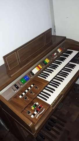 Organo doble teclado Kawai E-100