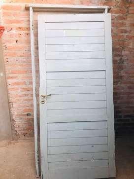 Puerta de algarrobo vendo o permuto