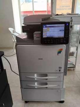 Fotocopiadora Ricoh Aficio MP C 300 SR