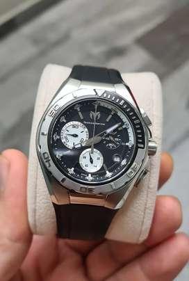 Reloj technomarine suizo