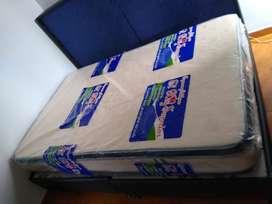 Se vende base cama y colchón