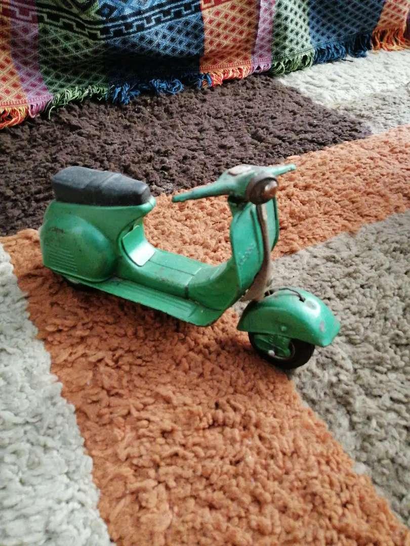 Moto vespa juguete antiguo echo en japon 0