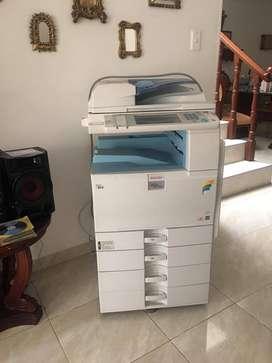 Excelente Impresora Fotocopiadora Ricoh Multifuncional Mp C2551