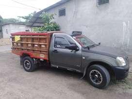 Camioneta dimax 2.4 a gasolina en buen estado precio 12.000