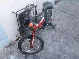 Dos ciclas para niños vendo