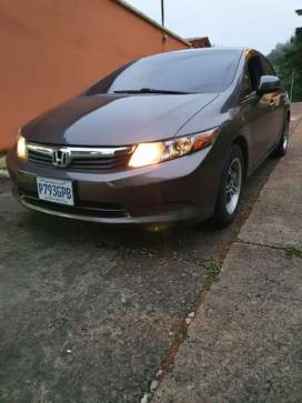 Vendo Honda Civic 2012 en buen estado