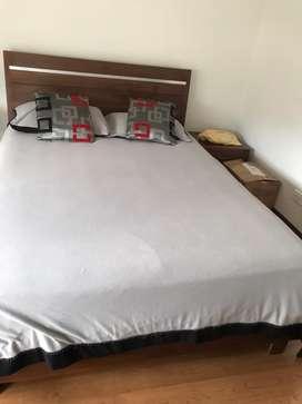 Juego de alcoba (cama, nochero y mueble tv)