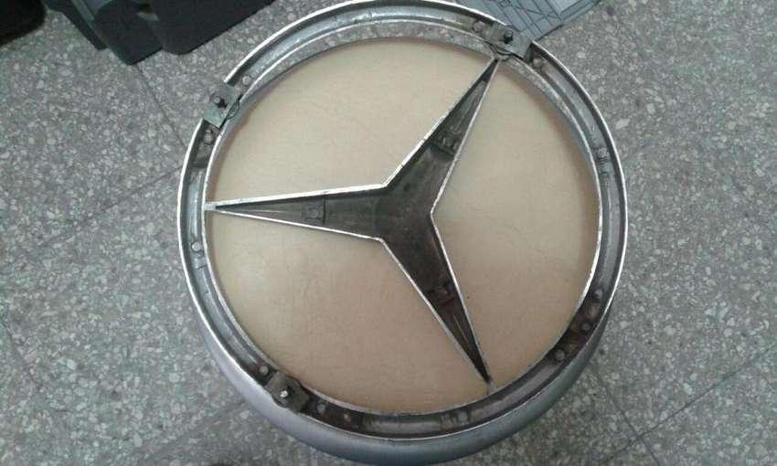 Insignia de parrilla MERCEDES BENZ Original Metalizada 0