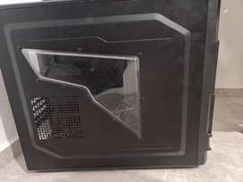 GABINETE THERMALTAKE COMMANDER MS I - USADO