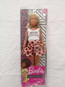Barbie fashionista curvy 111 nueva
