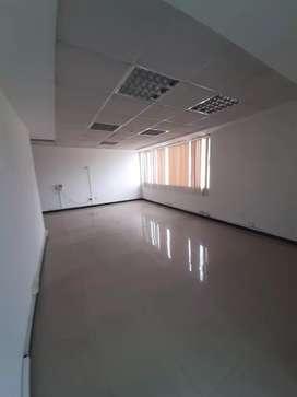 Alquiler / Renta / Arriendo oficina sector Eloy Alfaro,  Alemania,