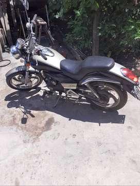 MOTO YL200 CHOPERA