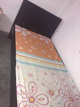 Vendo cama sencilla + colchoneta