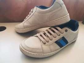 Zapatillas muy buenas y lindas