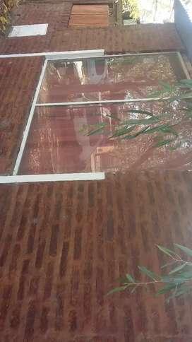 Vendo paño fijo entero de 1m × 1. 50 mts