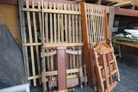 Lote de Camas de camas de cedro y algarrobo nuevas y medio uso
