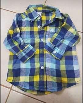Vendo lote de 35 ropas de bebe carters y mimo talle 3 y 6 meses