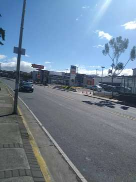 Se alquila local para lava car o comercial