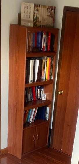 Biblioteca en perfecro estado negociable