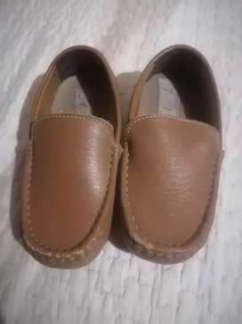Zapato de material T 25