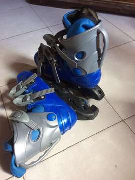 Vendo rollers color azul talle 32