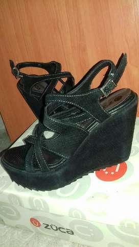 Sandalias Negras Gamuzadas