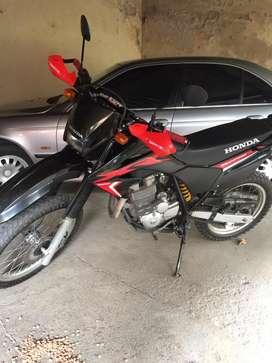 Vendo Honda Tornado , impecable , con accesorios