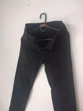 Jean negro dama