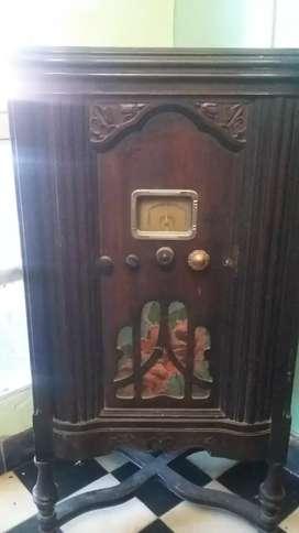 Vendo radio antigua a válvulas