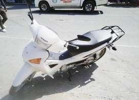 Moto honda wave blanca 9/10
