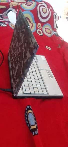 Vendo Portatil Laptop Dell Perfectl estado Funcional todo funcional, se utiliza conectado por la bateria, camara frontal