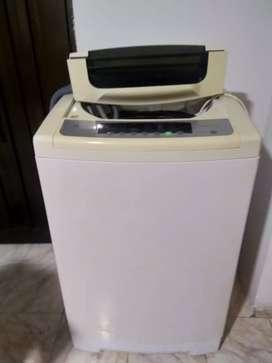 Se vende lavadora Whirlpool en cali