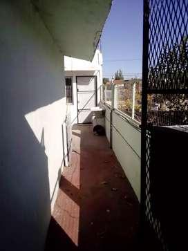 Hermoso Dpto.2 amb.a 2 cuadras estación El Jagüel 1•piso D c/balcón $10000