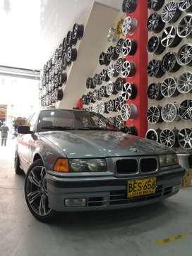 BMW 325i COMO NUEVO