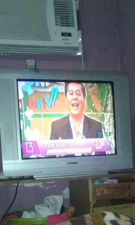 Vendo televisión Noblex grande de 29 pulgadas  con su control