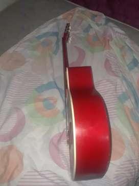 De vende guitarra acústica, con forro