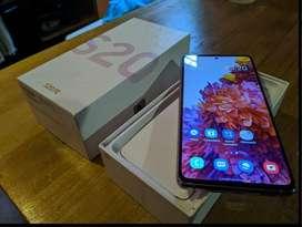 Samsung s20 FE nuevos . acepto tarjetas