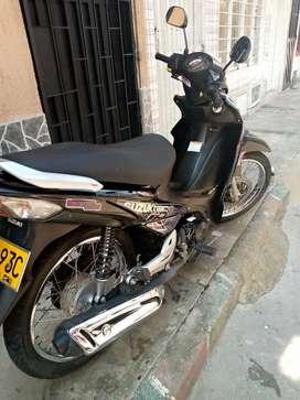 Se vende hermosa viva R 115 motor 2021